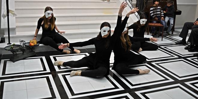 Η ομάδα «ΜαθΑΙΝΟντας για την Αίνο» σε εκδήλωση στο Νομαρχείο Έβρου